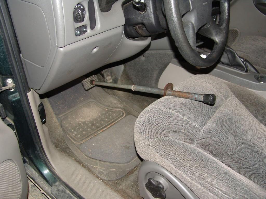 Ford Edge Fuse Box Sparky S Answers 2004 Chevrolet Trailblazer No Stoplights