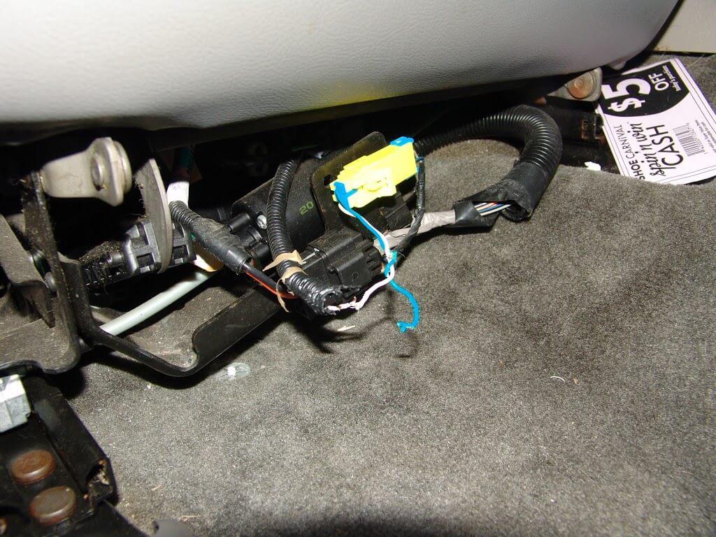 2003 Trailblazer Wire Harness Diagram Sparky S Answers 2002 Chevrolet Trailblazer B0028