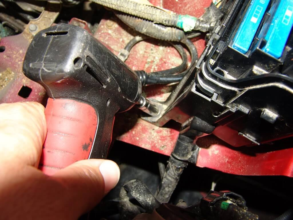DSC05671?fit=1024%2C768&ssl=1 sparky's answers 2009 toyota camry changing the multi fuse block  at fashall.co