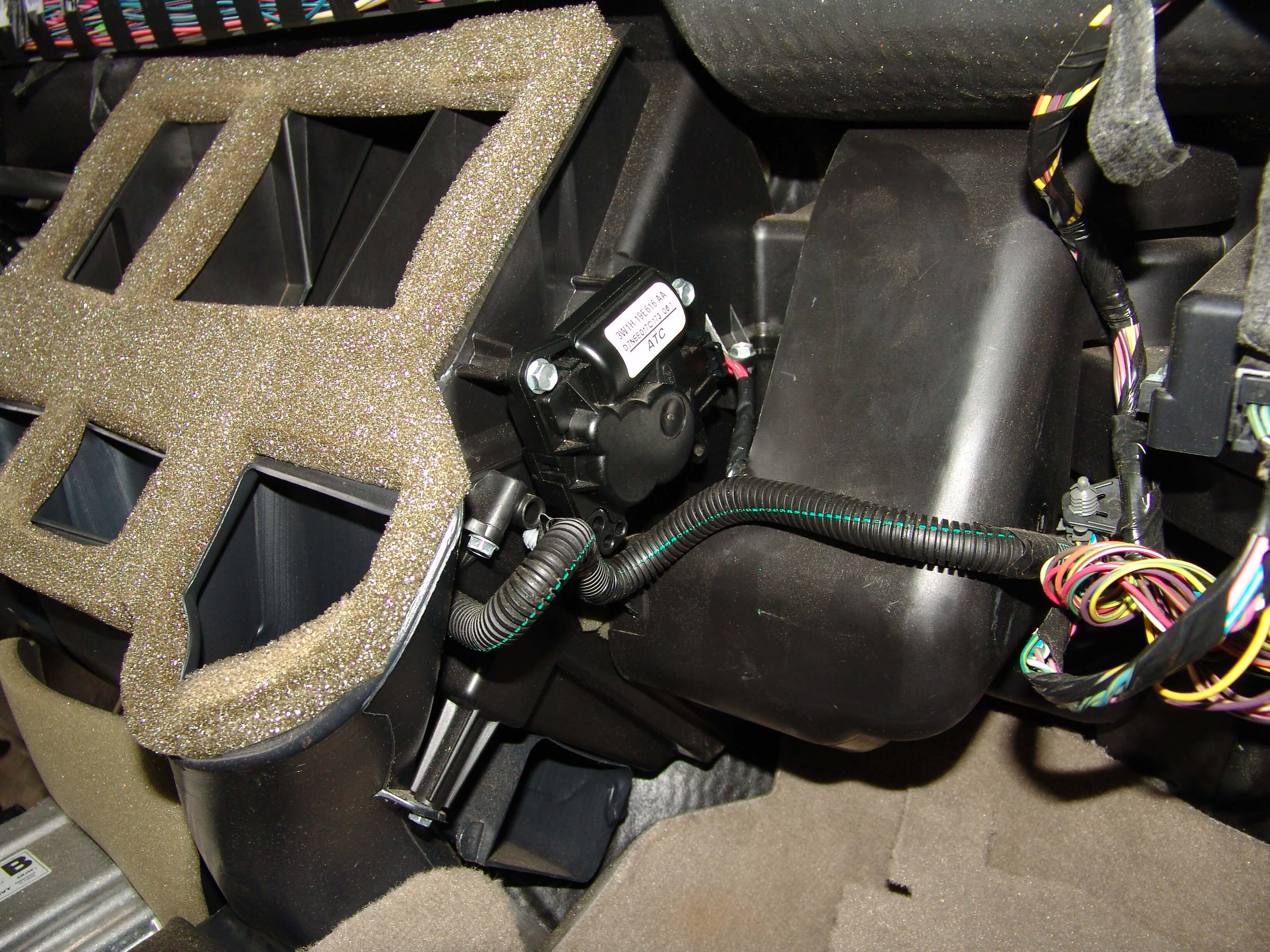Sparky S Answers 2007 Lincoln Town Car Hvac Actuator