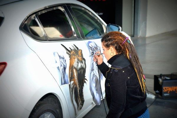 Turkish Artist Evrim Duyar Airbrushing Demonstration