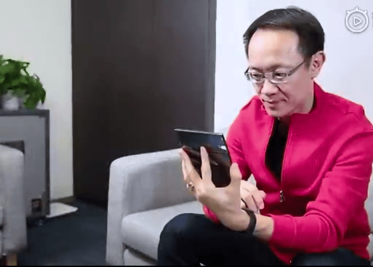 Linbin Posted Hands on of Xiaomi Double Foldable Phone Hands on Video 1