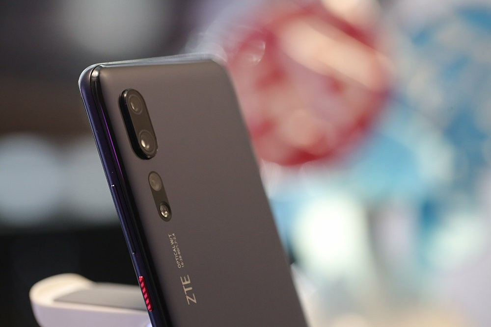 ZTE Axon 10s Pro Official first look