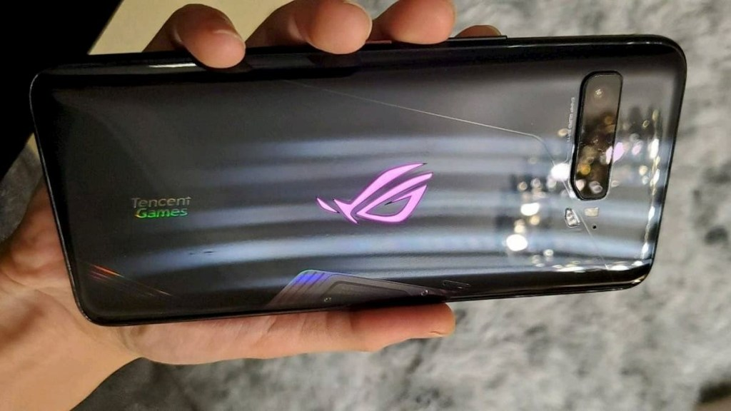 ASUS ROG Phone 3 Hands-On Video