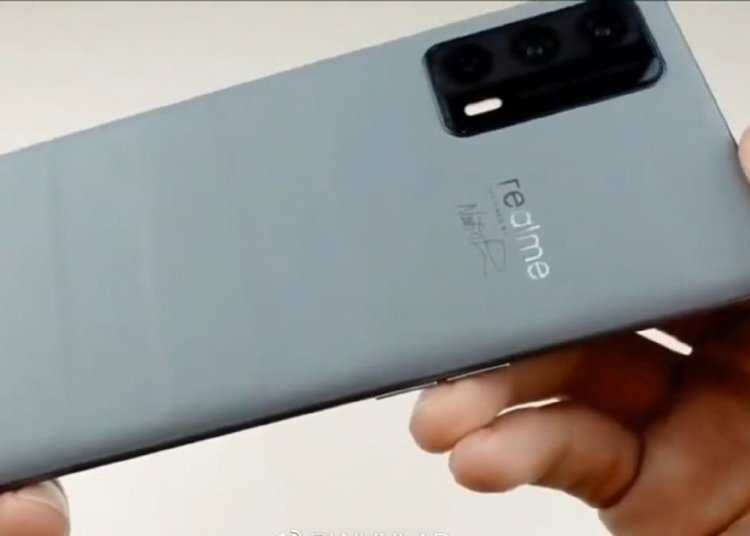 Realme X9 Pro Master Edition Cement Real Machine Leaks Live Photos
