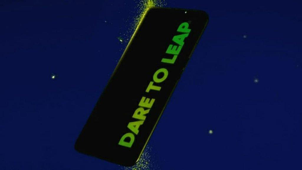 Realme Q3 Coming With Fluorescent Dare to Leap Logo
