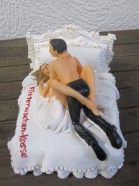 Spardose Hochzeit Motiv sich liebendes Brautpaar