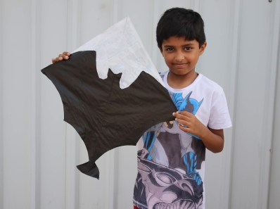 How to make a kite with Newspaper