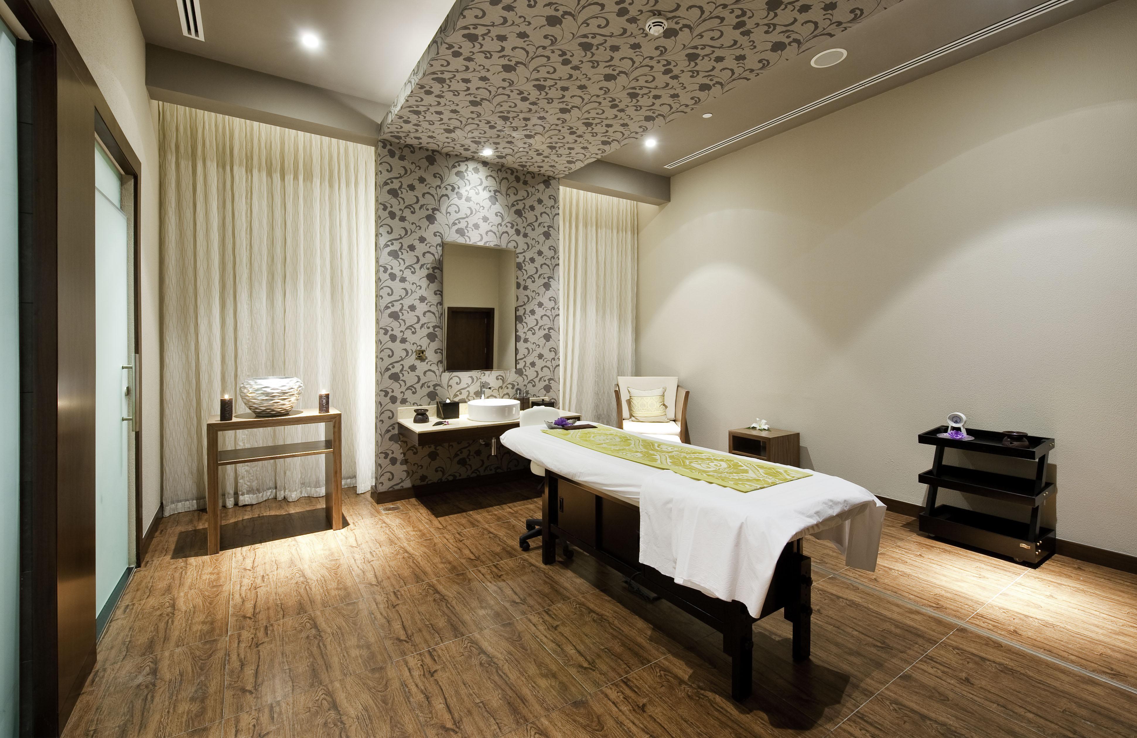 ayruvedic massage  The Spa  Salon Sultana