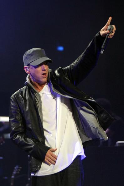 Jay+Z+Eminem+Perform+Launch+DJ+Hero+Show+_YW0pCoCzbcl