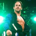 WWE: Commenti di una leggenda WWE sull'imminente debutto live di Roderick Strong