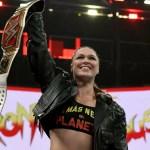 WWE: Tributo di Ronda Rousey a Roman Reigns dopo la sua vittoria ad Evolution (Video)