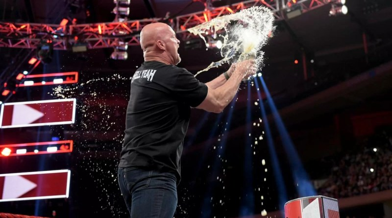 """WWE: """"Stone Cold"""" Steve Austin ritornerà a Raw?"""