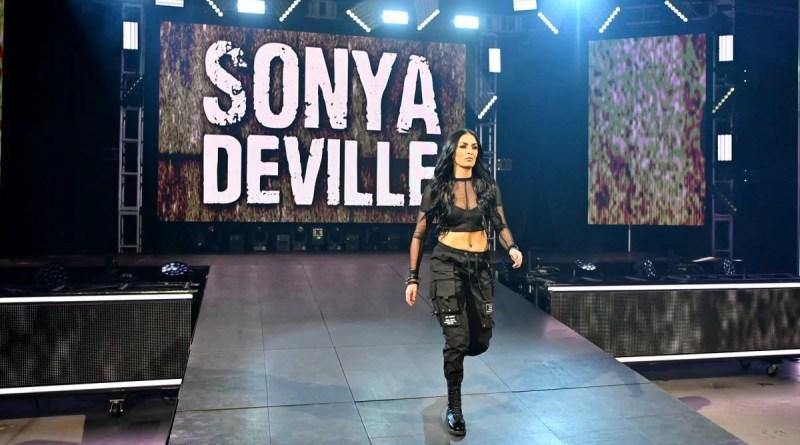 WWE: Sonya Deville commenta il feud con Mandy Rose