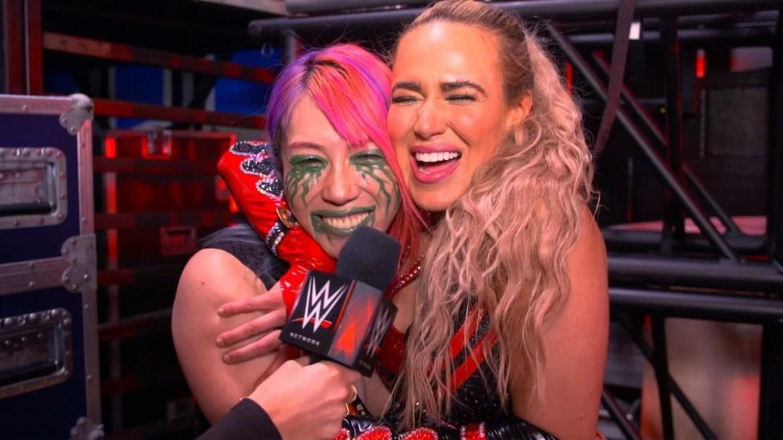 WWE: Bacio inaspettato tra Lana e Asuka *VIDEO*