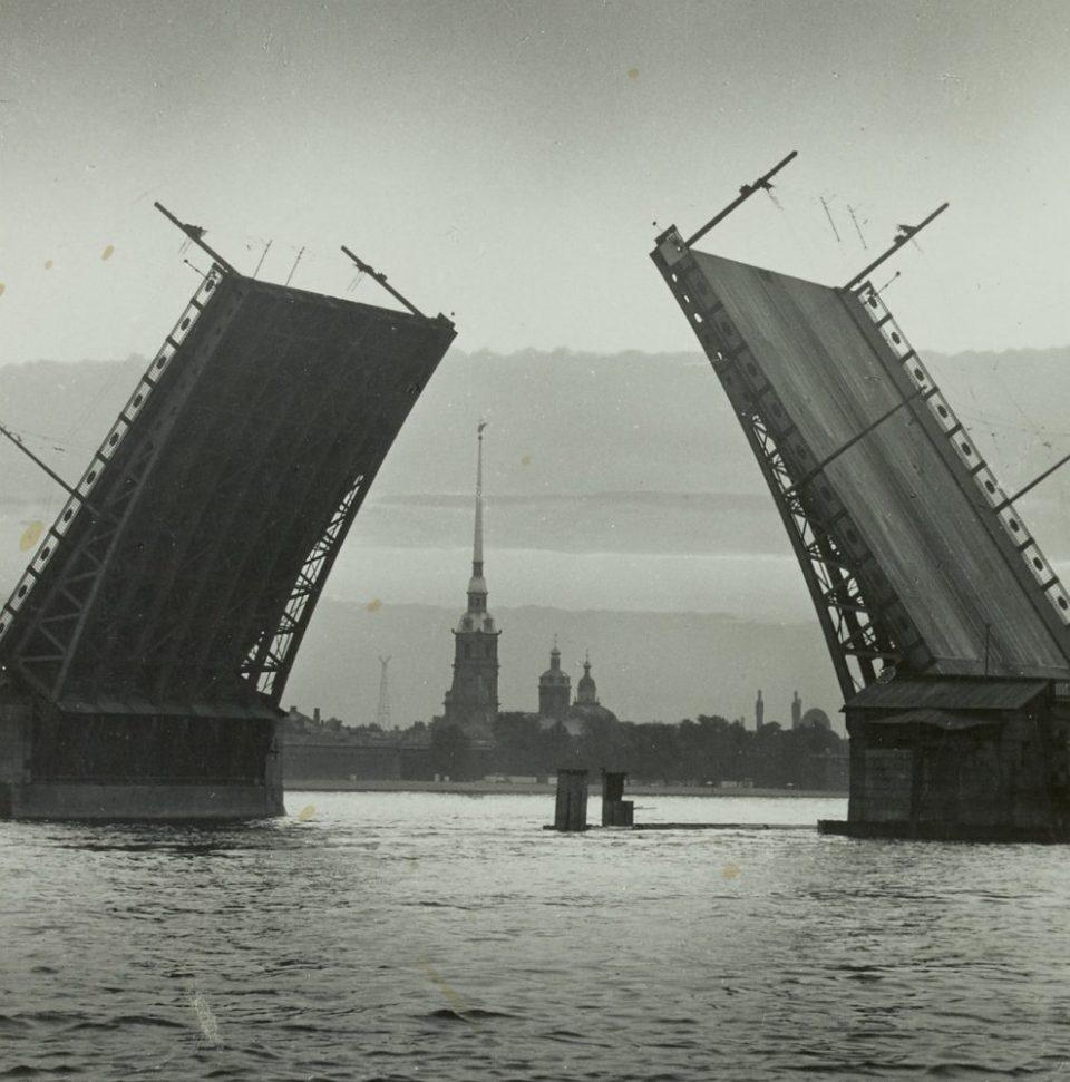 1971. Дворцовый мост