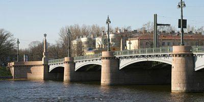 Каменноостровский мост через Малую Невку