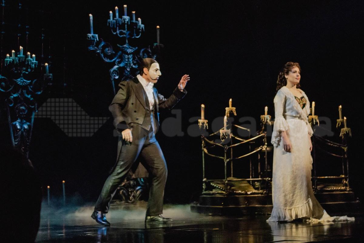 """""""O Fantasma da Ópera"""" volta ao palco brasileiro"""