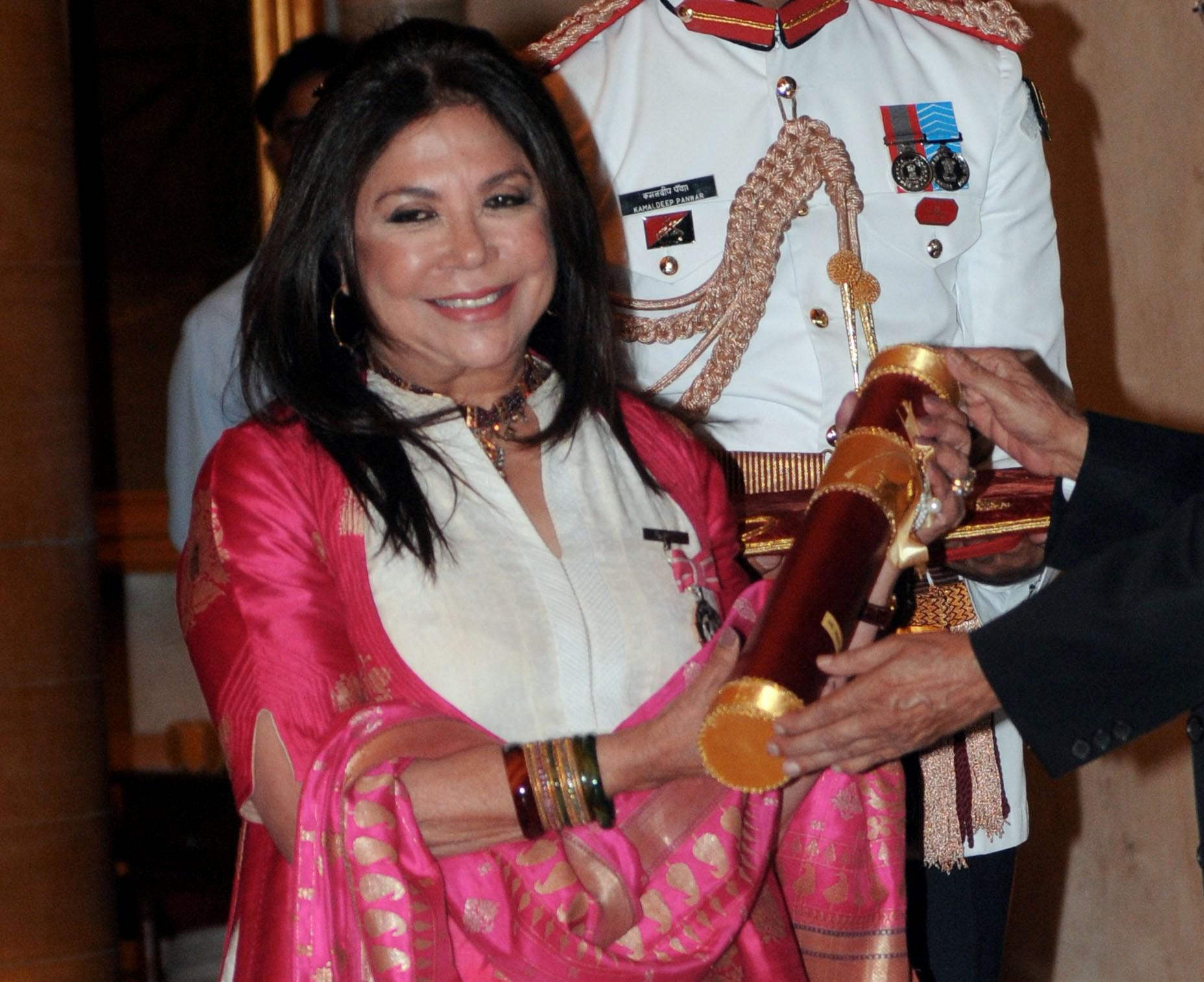 Chic News Padma Shri Ritu Kumar Hidesign Sunglasses