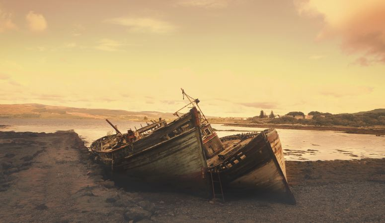 4 WAYS TO AVOID SHIPWRECK OF YOUR FAITH