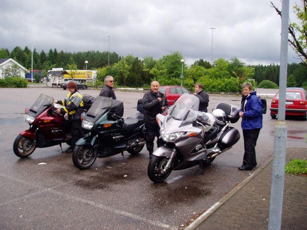 På väg mot Trelleborg genom ett småregnigt Sverige.