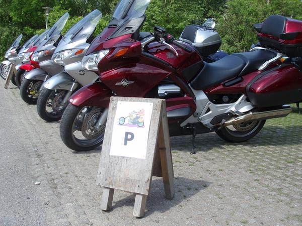 Särskild MC-parkering var ordnad.