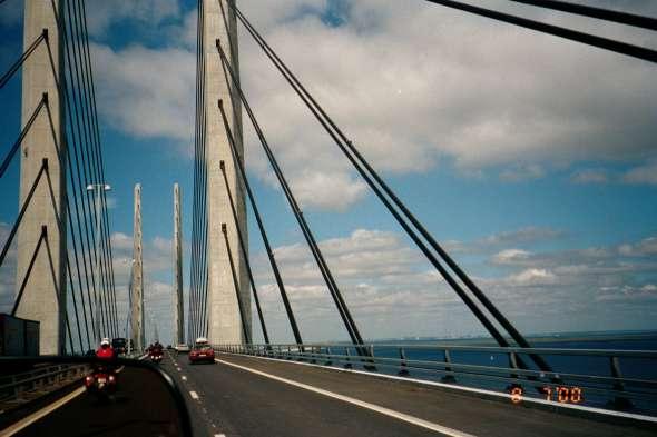 På väg över Öresundsbron.