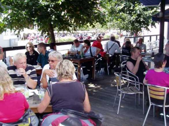Lunchen var naturligtvis färdig för oss och Pannorna fick vila i bakgrunden.