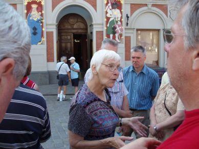Denna entusiastiska och kunniga dam guidade oss runt i Riga