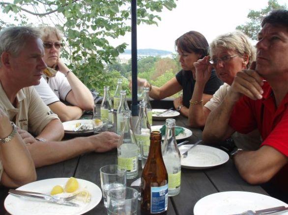 Uppe vid Bergstugan serverades det Roslagsröra till lunch.