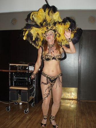 Under middagen bjöds det på sambadans.