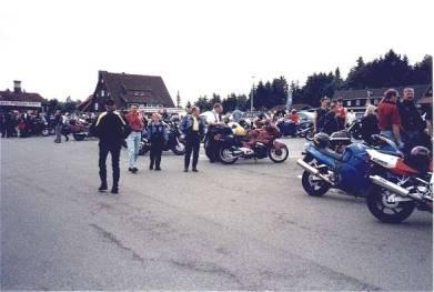Torget i Torfhaus, ett samlingställe för mc-åkare
