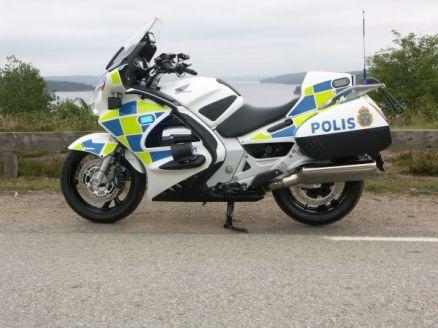 En av de två specialutrustade ST 1300 som går i polisens tjänst i år