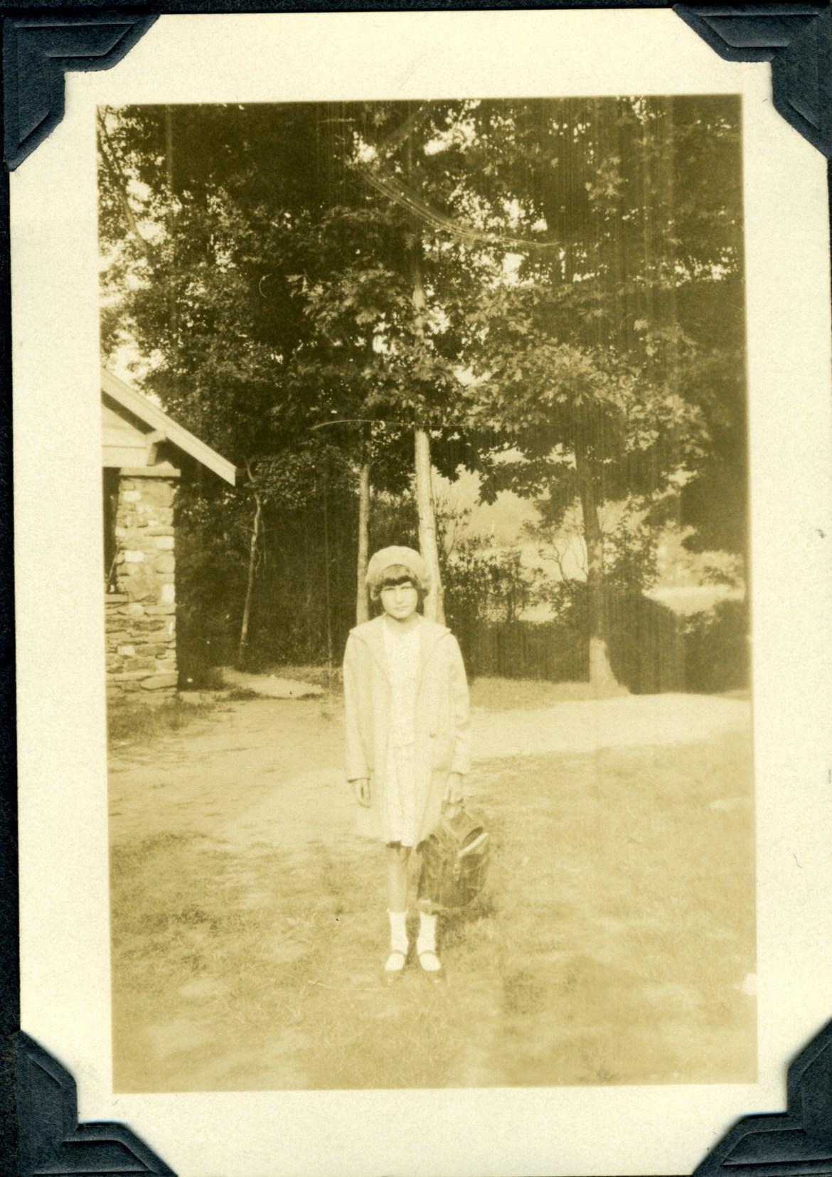 Wilma first day school 1930.jpg