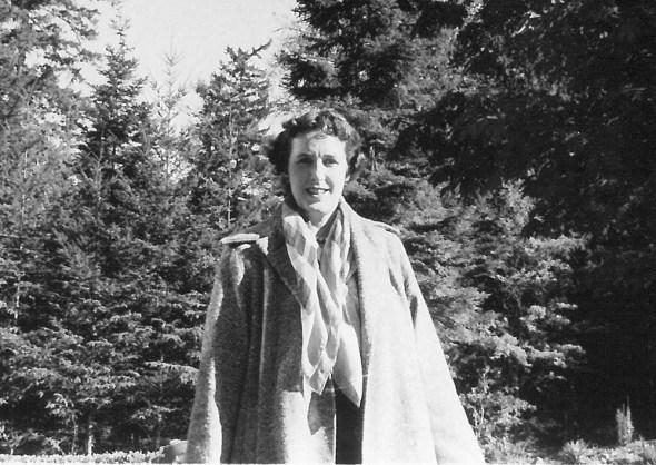 Veronica Villiers in 1954 (P1/513 (3))