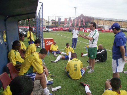Mesmo tendo perdido para o Uruguai por 2×1, seleção da SOB está nas quartas de final