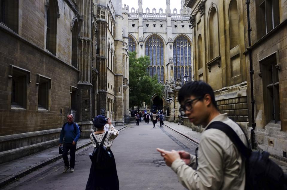 Cambridge university, chinese students