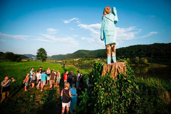 TOPSHOT-SLOVENIA-US-TRUMP-SCULPTURE-OFFBEAT