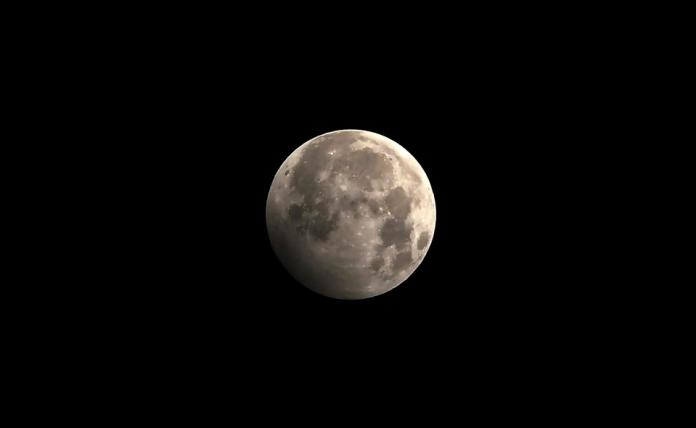 NEPAL-ASTRONOMY-ECLIPSE-MOON
