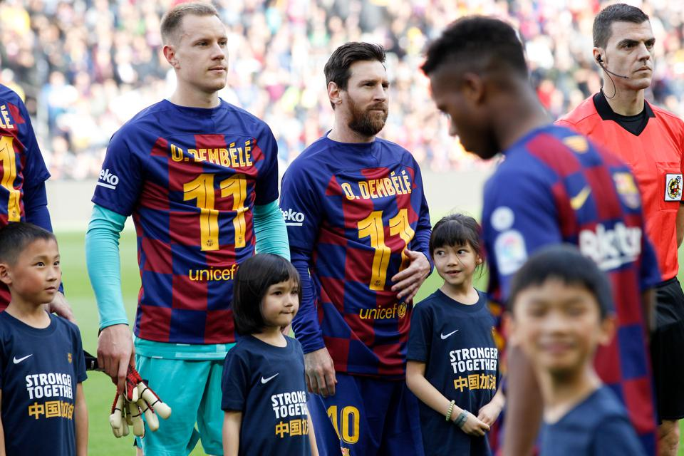 FC Barcelona's Plan To Renovate The Contracts Of Three Big Stars During  Financial Hardship