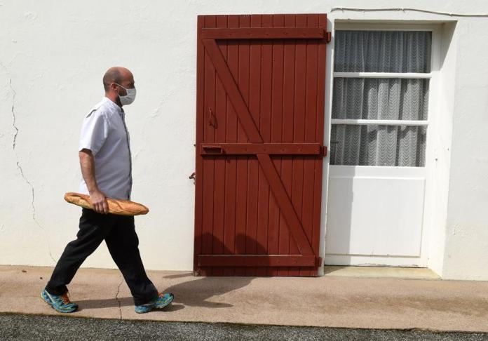 France ends foreclosure of coronavirus schools Stores reopen restaurants on May 11