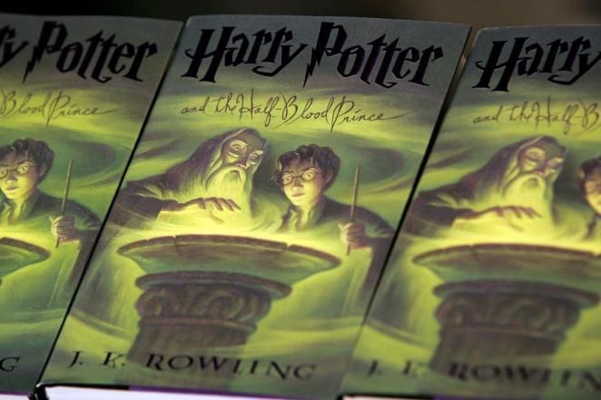 j.k.rowling, Amazon.com Harry Potter Book half-blood prince, Harry Potter sales