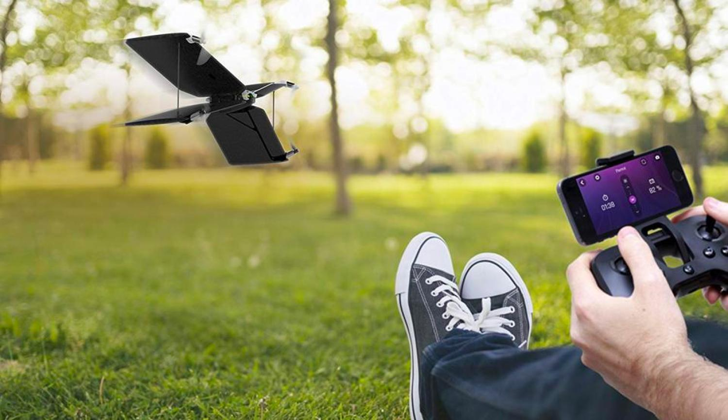 The Parrot Swing Quadcopter and Plane Minidrone.