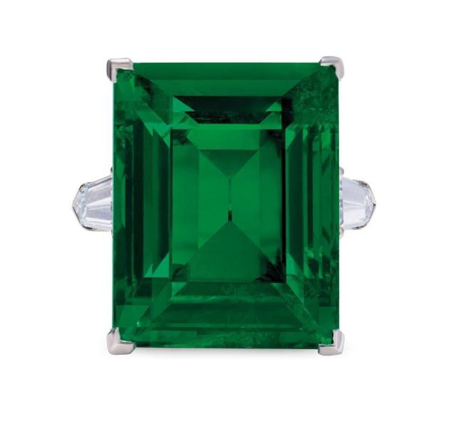An 18.82-carat Colombian emerald with an estimate of $371,319 - $477,411