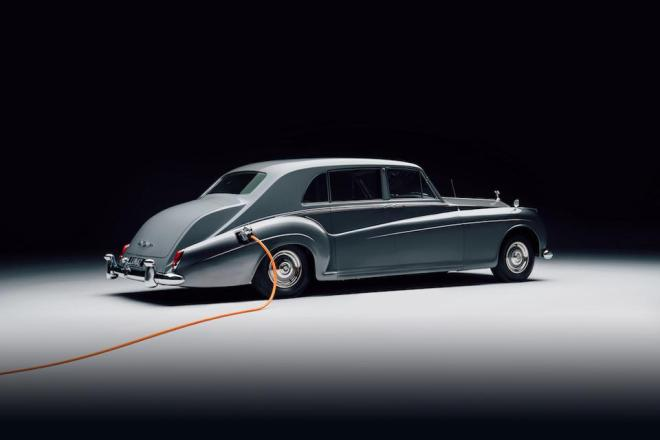 Rolls-Royce Phantom V by Lunaz is the electric version of the 1961 classic driven by John Lennon