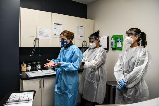 US-HEALTH-VIRUS-TESTS-VACCINES