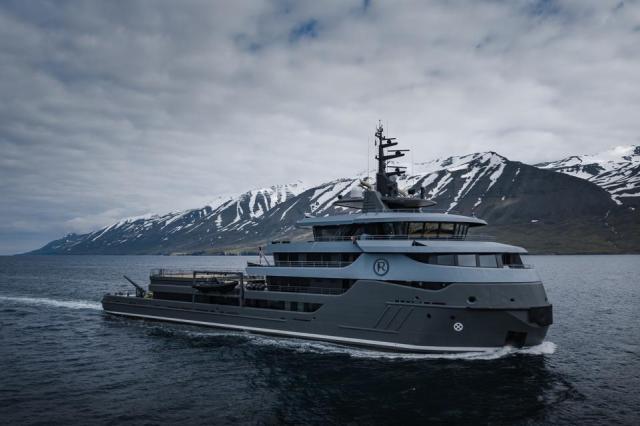 Charter explorer yacht Ragnar
