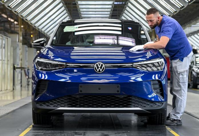 Production of the ID.4 from Volkswagen