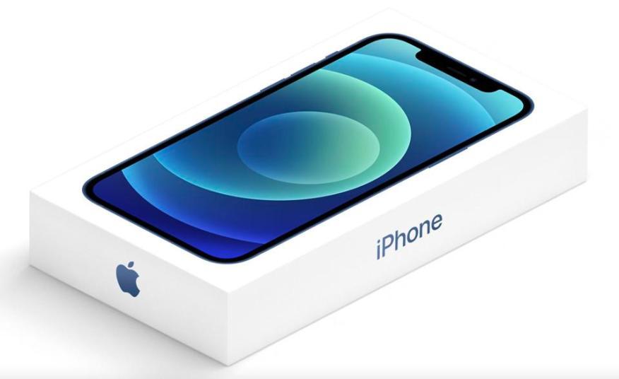 Заметно меньшая упаковка на iPhone 12.