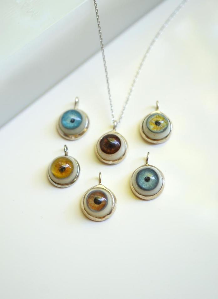 This is simple yet great pendant eye charm is 13mm and wrapped / chained in Sterling Silver. This necklace comes with a Rhys Kelly original hand painted eye - color of your choice.